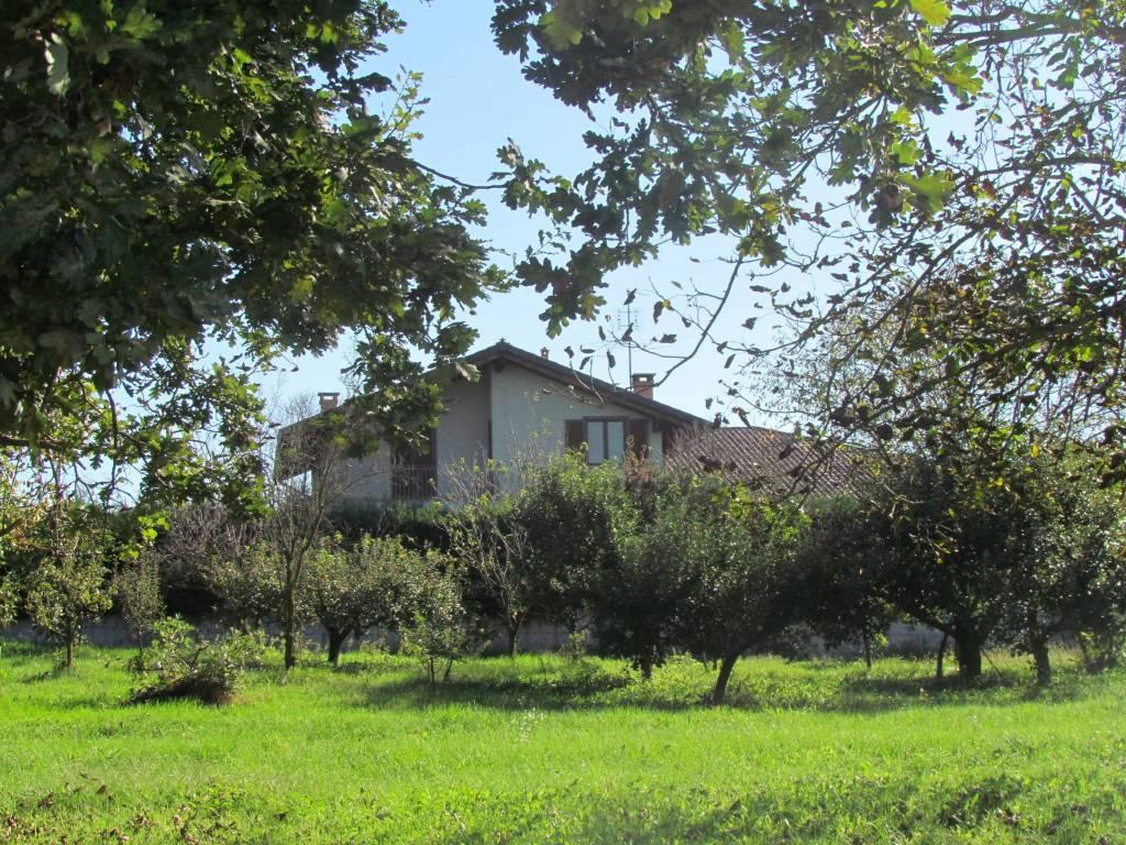 foto  Villa unifamiliare via Vische, Caluso