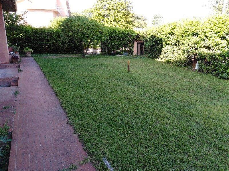 foto giardino Appartamento via Bettino Ricasoli 20, Pietrasanta