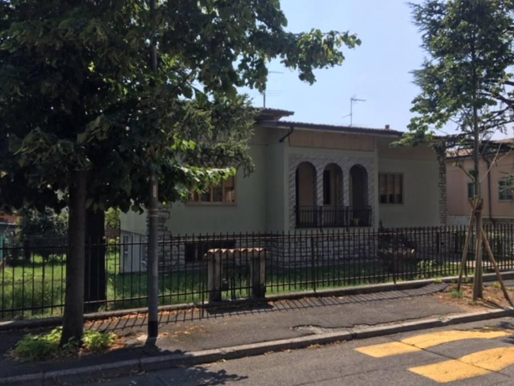 foto 1 Villa unifamiliare viale Stazione, Calvisano