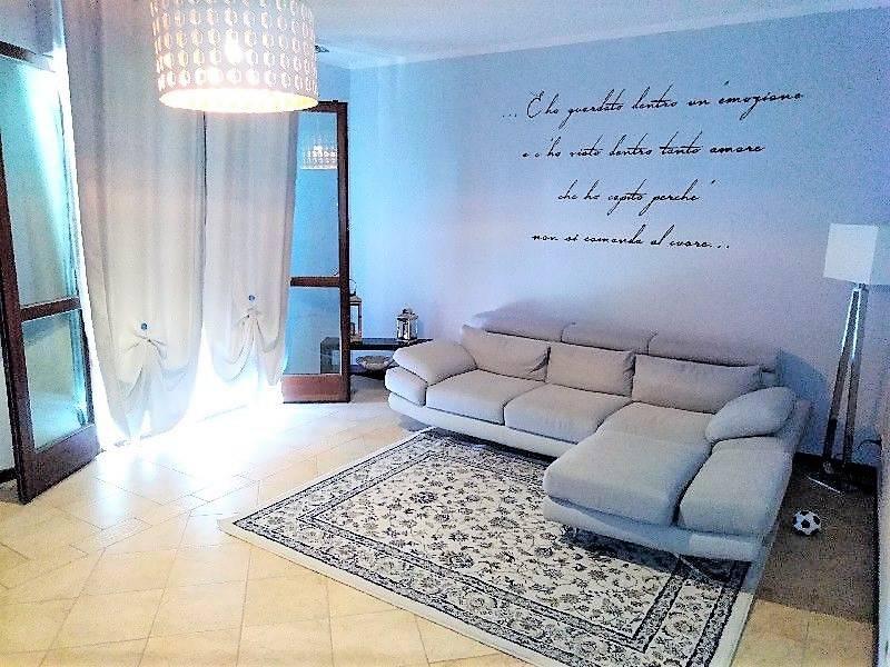 foto soggiorno Villa a schiera 5 locali, buono stato, Pietrasanta