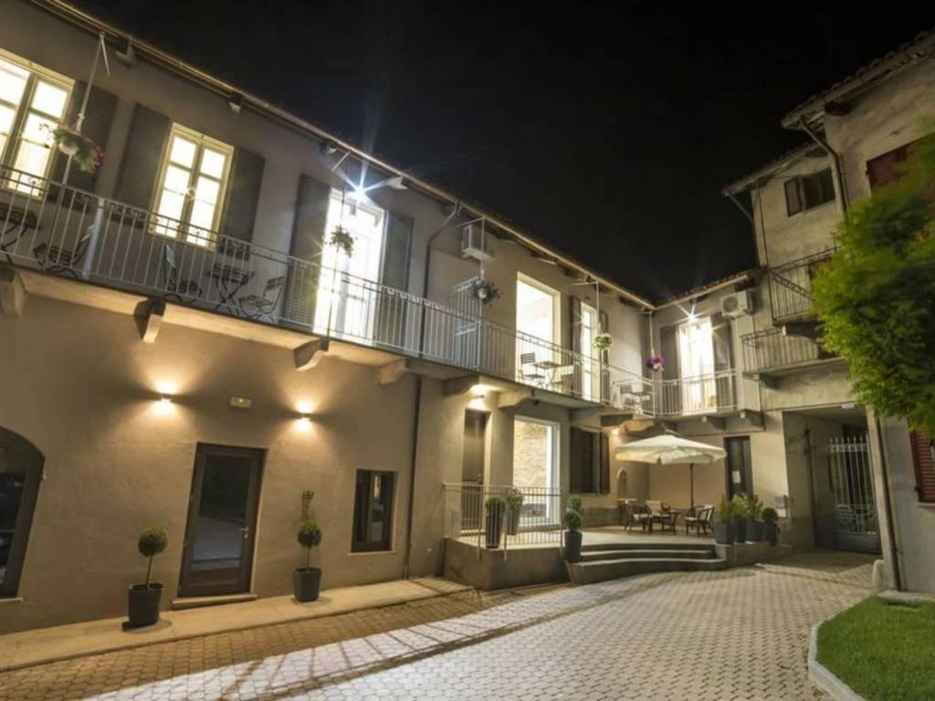 foto  Building, excellent condition, La Morra