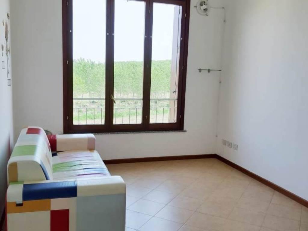 foto salotto 2-room flat via del Cavo, Motta Visconti