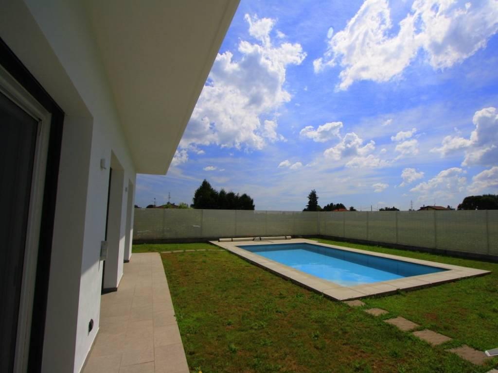foto piscina Односемейная вилла via Cesare Battisti 18, Cirimido
