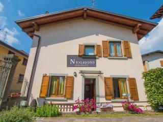 Photo - Terraced house via Fiorine, Clusone
