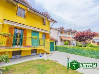 Photo - Terraced house via Carlo Alberto Dalla Chiesa, Casarile