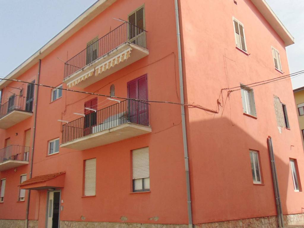 foto 1 3-room flat good condition, second floor, Baiano