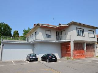 Photo - Single family villa, to be refurbished, 318 sq.m., Chieri