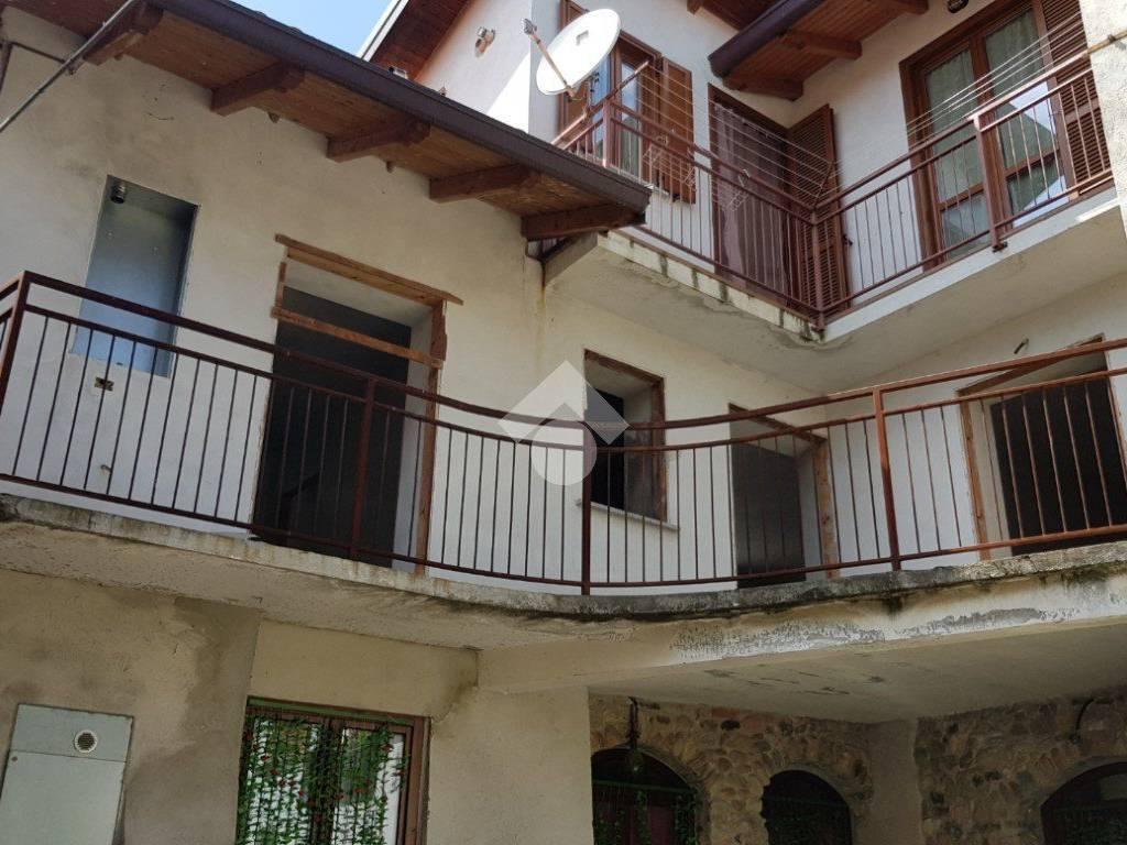 foto  Trilocale via roma, Pombia