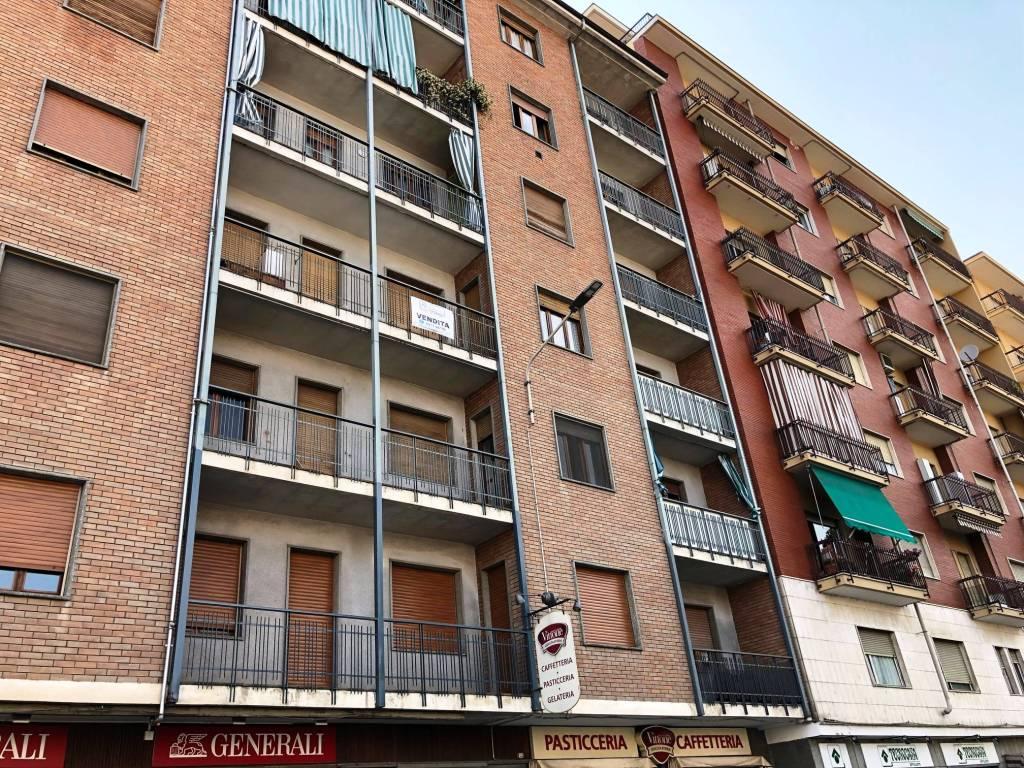 foto ESTERNO 2-room flat corso Re Umberto 52, Verzuolo