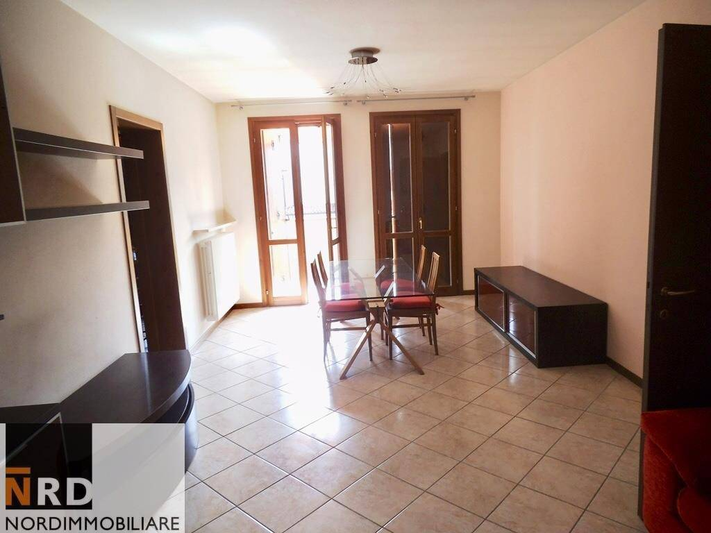 foto Sala 3-room flat XXV Aprile, San Giorgio Bigarello