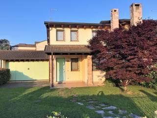 Photo - Terraced house via Dante 3, Gazzo