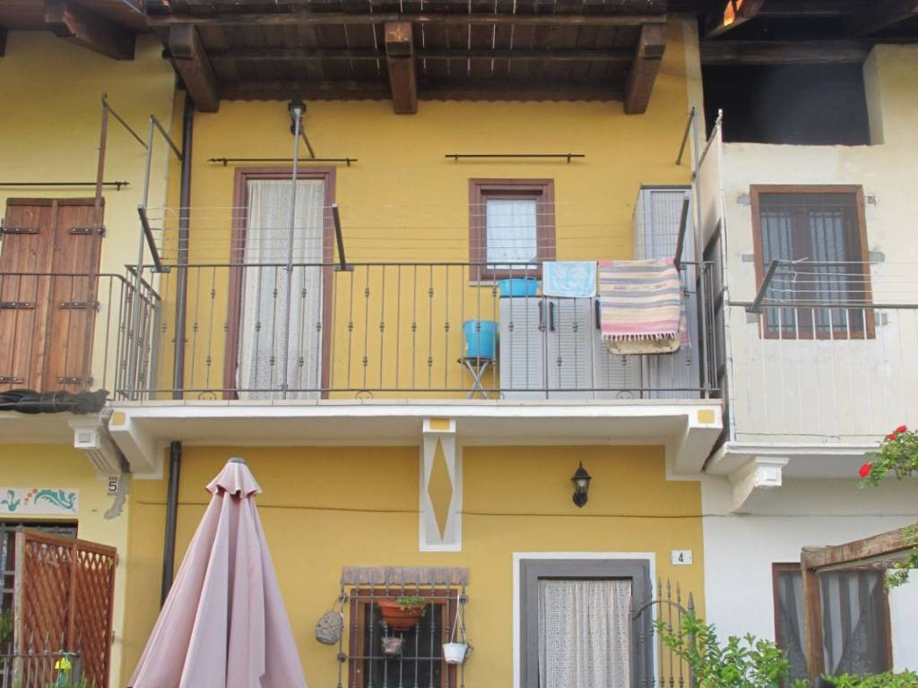 foto  Country house, good condition, 95 sq.m., Favria