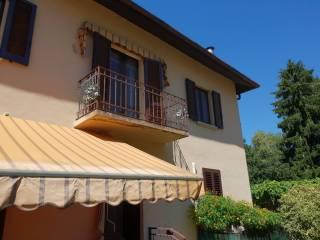 Foto - Villa a schiera 4 locali, buono stato, Dervio