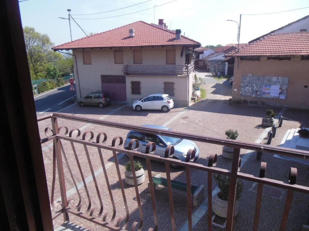 foto BALCONE 4-room flat piazza San Nicolao 2, Vauda Canavese