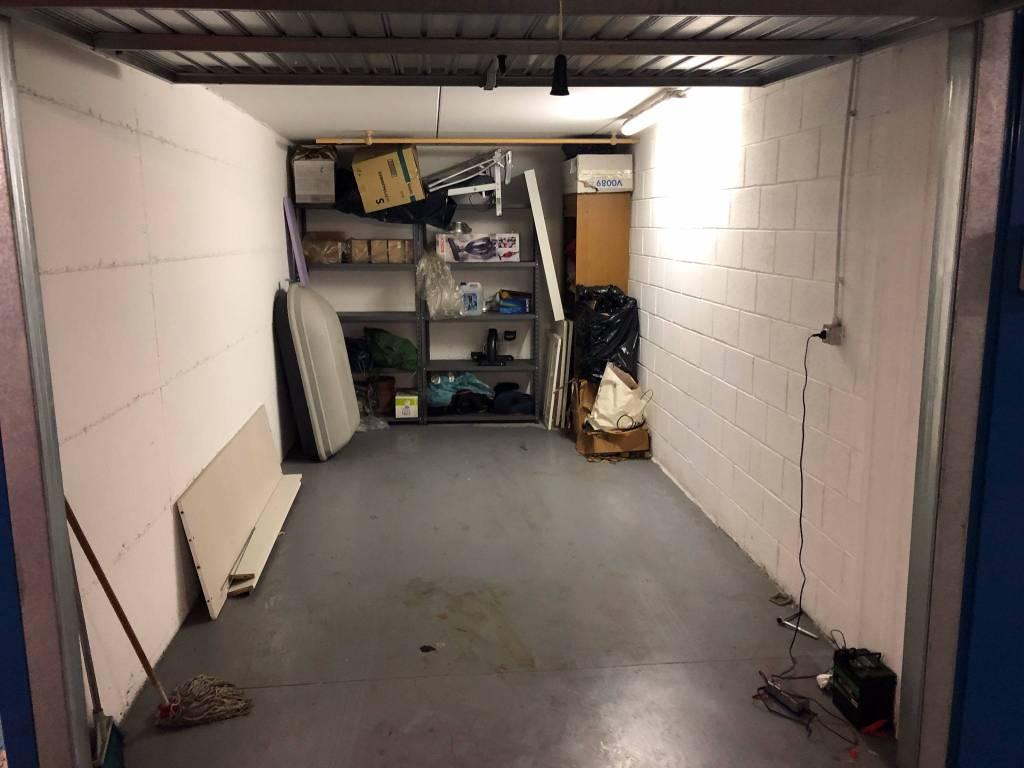 foto  Car box / Garage viale Molise 11, Cinisello Balsamo