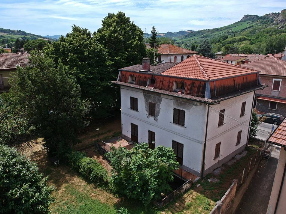 Vendita Villa bifamiliare Borgo Tossignano. Da ...