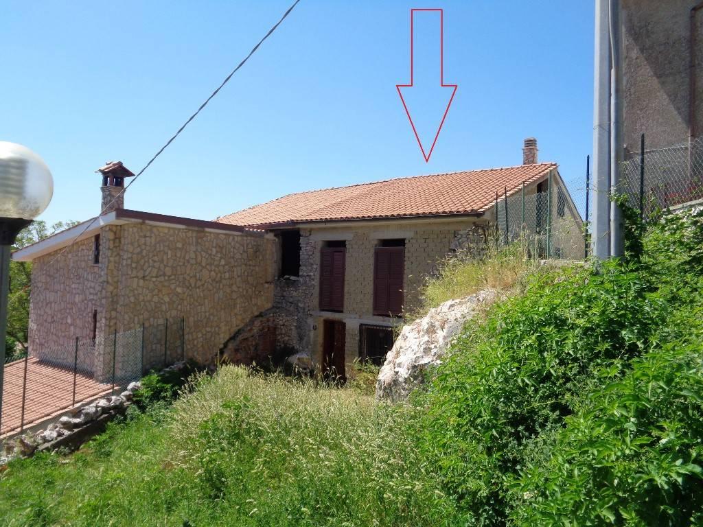 foto  Two-family villa, to be refurbished, 63 sq.m., Rocca di Cave