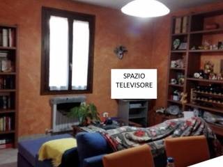 Фотография - Трехкомнатная квартира via Bondeno degli Arduini, Gonzaga