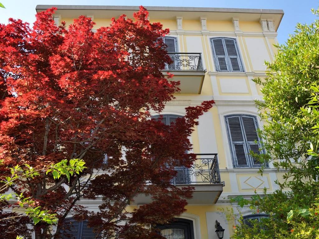 foto  Single family villa, good condition, 420 sq.m., Sanremo