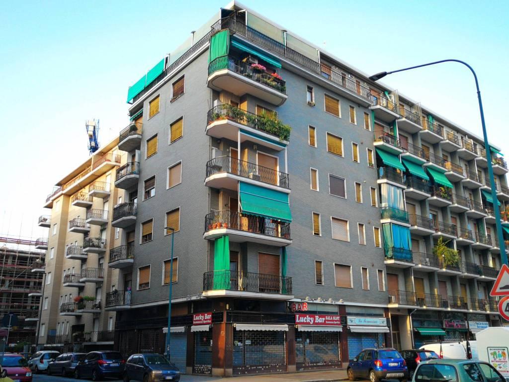 foto ESTERNO Trilocale via San Marino 108, Torino