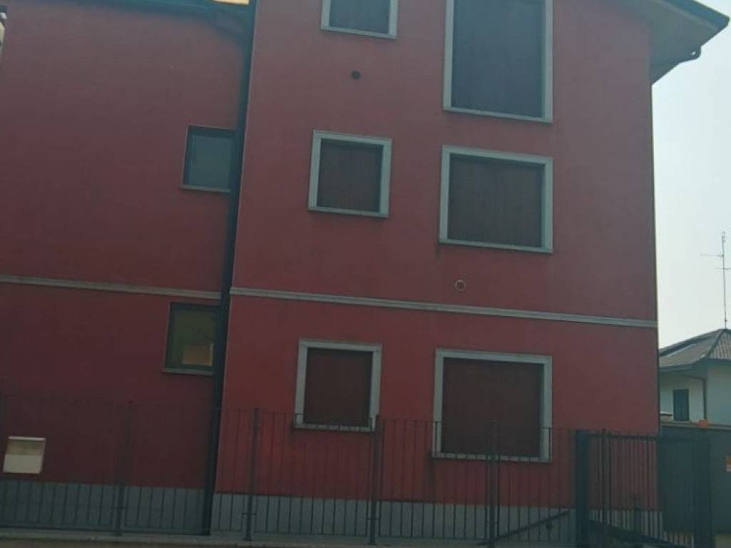 foto  Bilocale via Monte Grappa, Novate Milanese