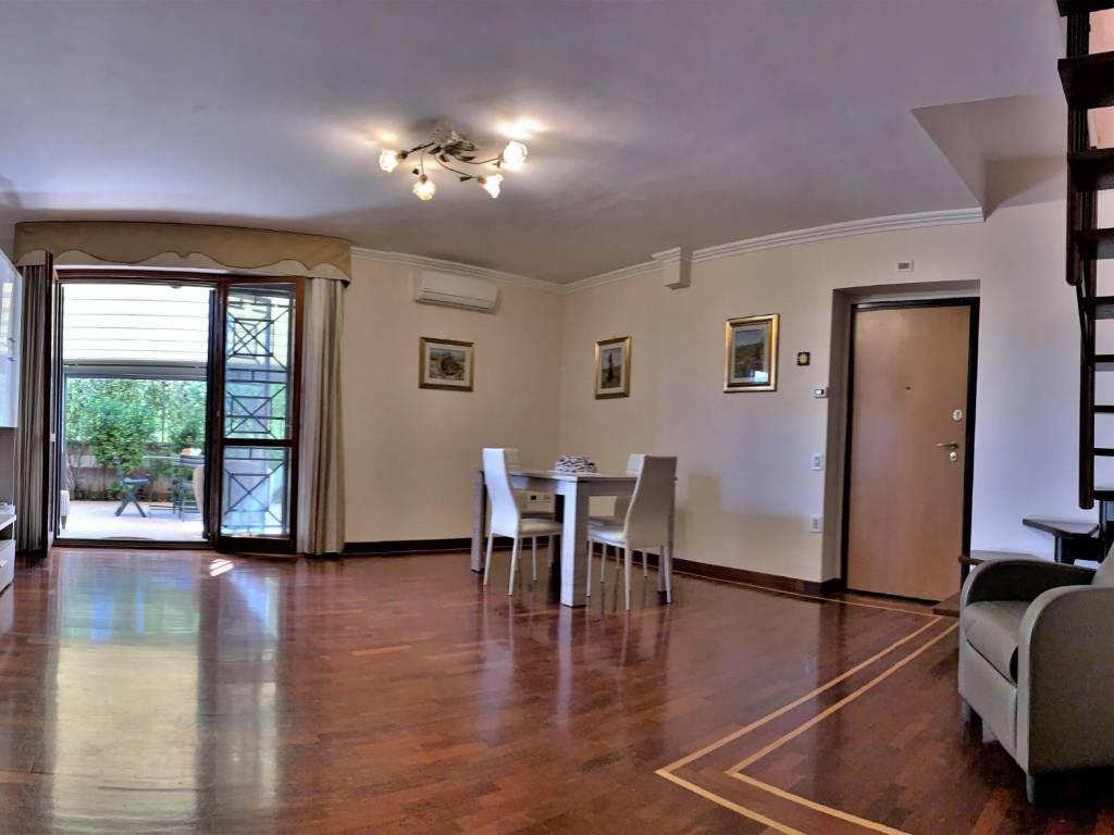 Tende Per Chiudere Ripostiglio vendita appartamento roma. quadrilocale in via carlo siviero