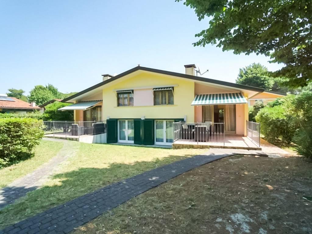 foto  Villa bifamiliare via dei Pianeti 52, Bibione