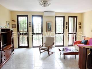 Photo - Terraced house 4 rooms, good condition, Assago