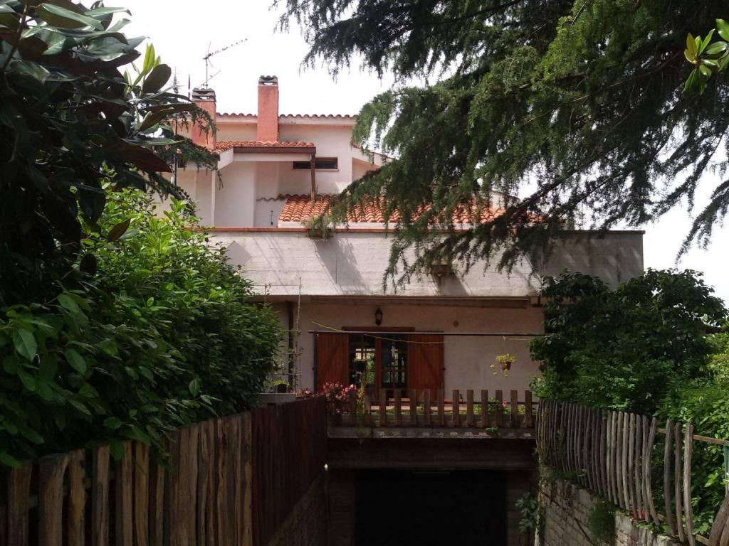 foto  Two-family villa via degli Acerei 8, Lanuvio