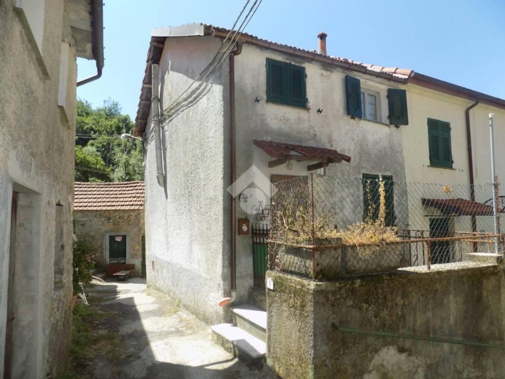 foto  Casa indipendente Località Frassineto, Valbrevenna