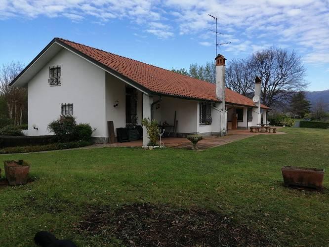 foto 1 Two-family villa via Girola, Alzate Brianza