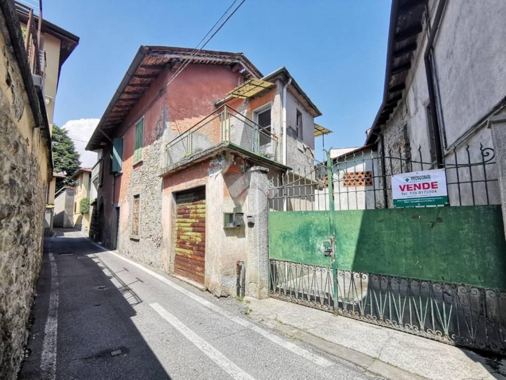 foto  Terratetto unifamiliare via castelfidardo, Mapello