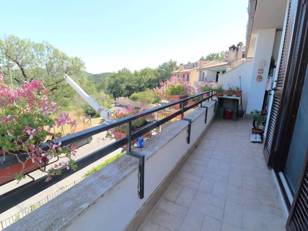 foto balcone Quadrilocale via Giuseppe Pierantozzi 23, Tolfa