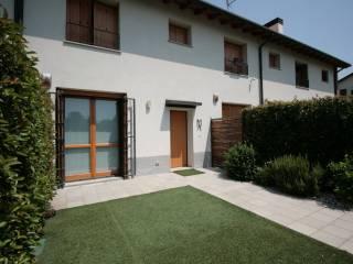 Photo - Terraced house 3 rooms, excellent condition, San Donato Milanese
