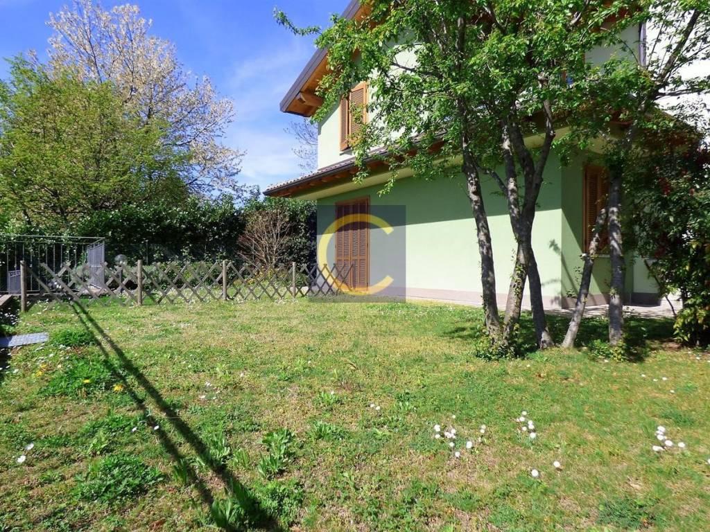 foto ESTERNO Bilocale via Santo Stefano, Appiano Gentile