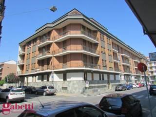 Photo - 3-room flat via Fratelli Carando 16, Bra