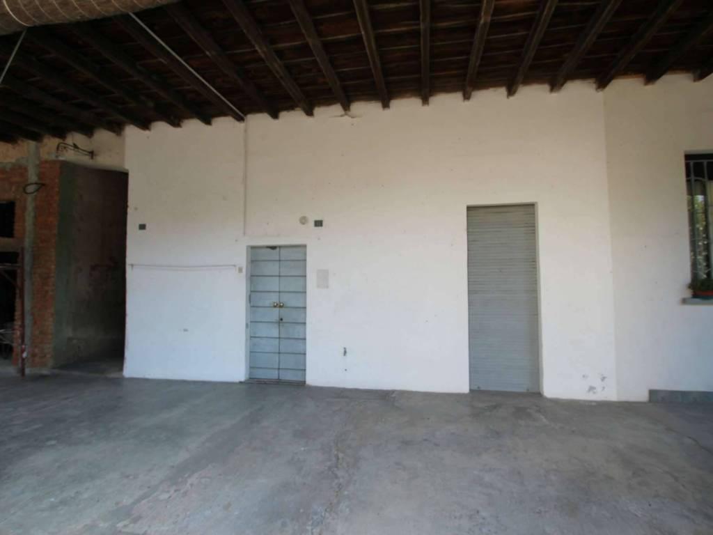 foto  Двухкомнатная квартира via Calchi Novati 13, Carnate