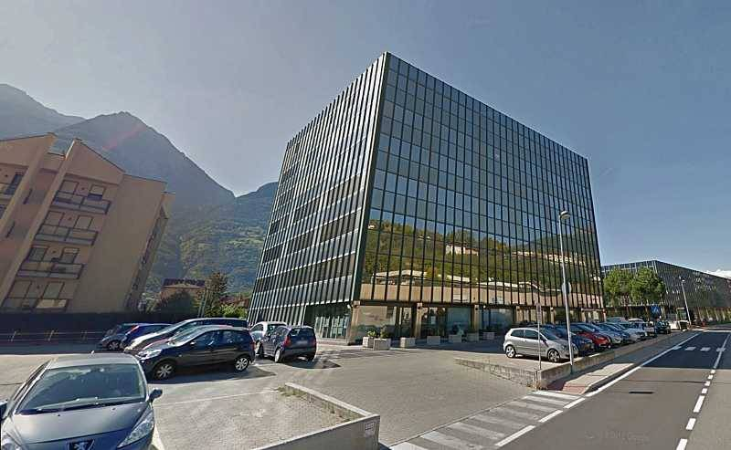foto Facciata Car box or garage regione Borgnalle 35, Aosta