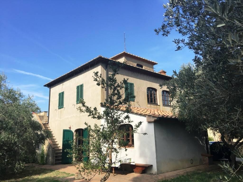 foto  Villa unifamiliare, buono stato, 252 mq, Montescudaio