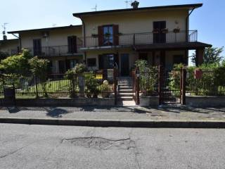 Foto - Villa a schiera via Alessandro Volta 4, Bornasco