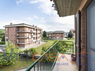 Photo - 4-room flat via Beppe Fenoglio 1, Neive