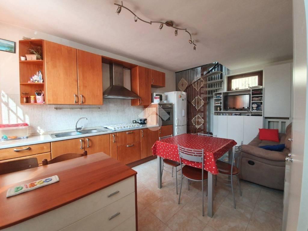 foto Cucina 3-room flat via Cascina Serbelloni, Pregnana Milanese