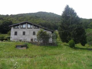 Photo - Farmhouse via Madonna della Neve, Albino