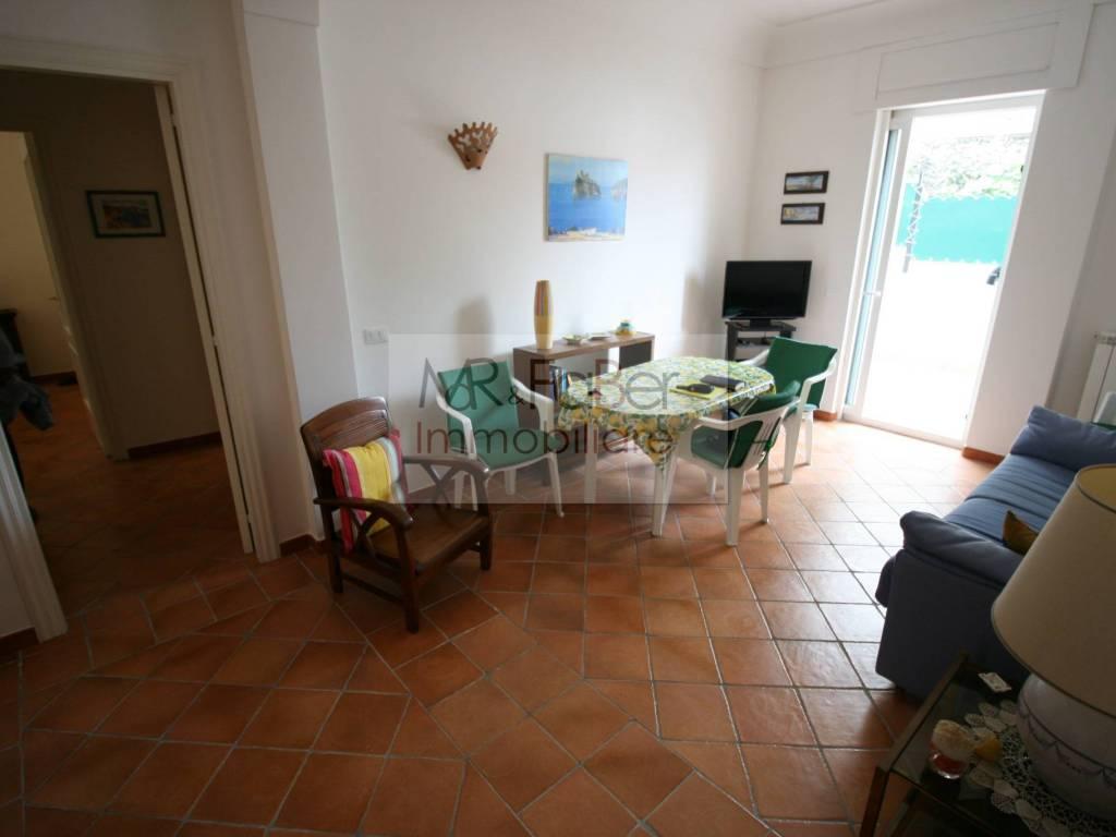 Vendita Appartamento Ischia. Trilocale in via Morgioni. Ottimo stato ...