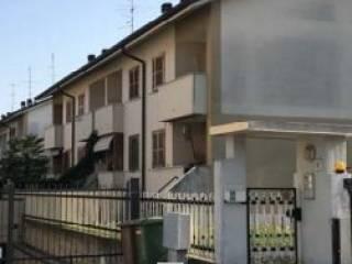 Foto - Villetta a schiera all'asta via Luigia Ferrari 18, Origgio