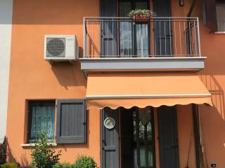 Photo - Terraced house 5 rooms, new, Castellucchio