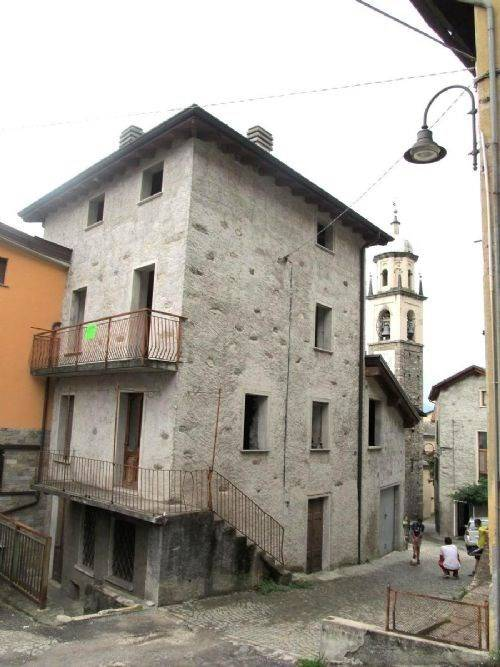 foto  Single-family townhouse, to be refurbished, Buglio in Monte