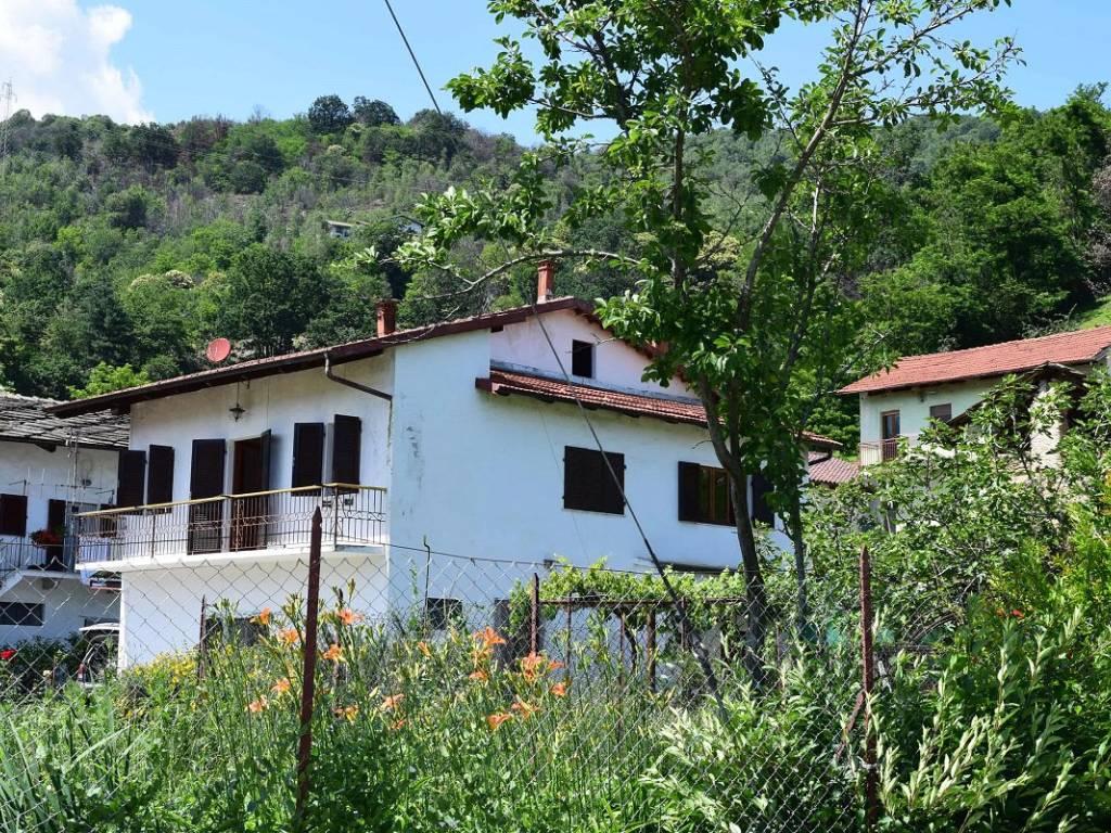 foto  Two-family villa via Vecchia della Valle, Revello