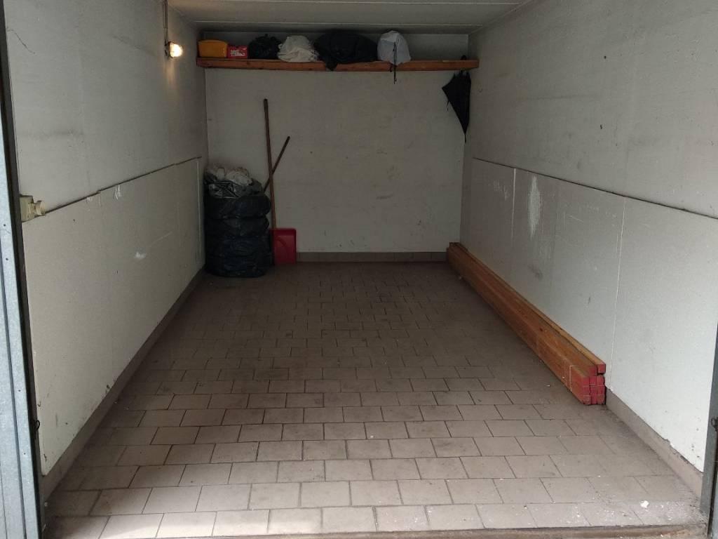 foto  Car box / Garage via Monte Nero 37, Cinisello Balsamo