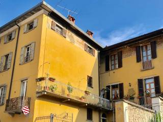 Foto - Bilocale da ristrutturare, primo piano, Caprino Bergamasco